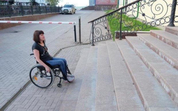 Хоронят заживо? Соседи запретили украинской паралимпийке выходить из дому
