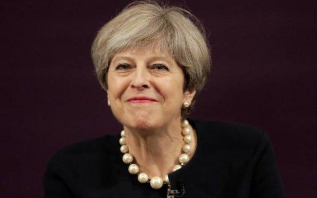 Мей заборонить юним британцям набиратись життєвого досвіду