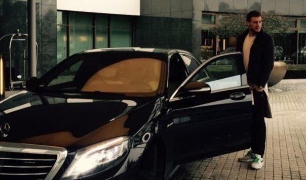 """""""Вольфсбург"""" покарав футболіста за фото з Mercedes"""