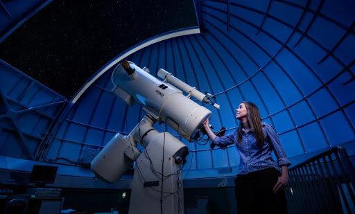 Астроном, фото из открытых источников