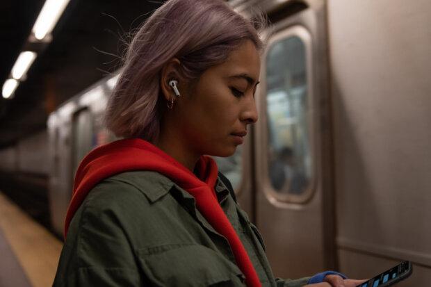 Apple показала довгоочікувані AirPods Pro: ціна та повний огляд новинки