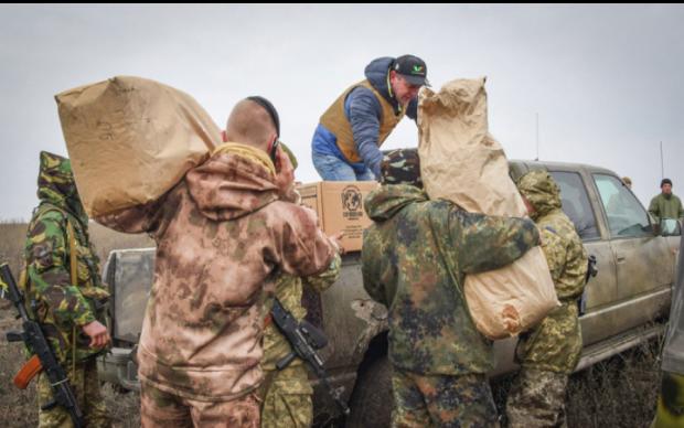 """Волонтери повернули морпіхам """"очі"""" та """"голос"""": фото"""