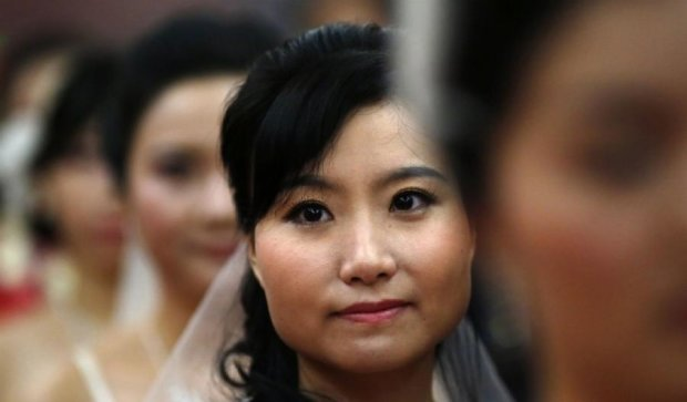 Две китаянки побили общего любовника посреди улицы