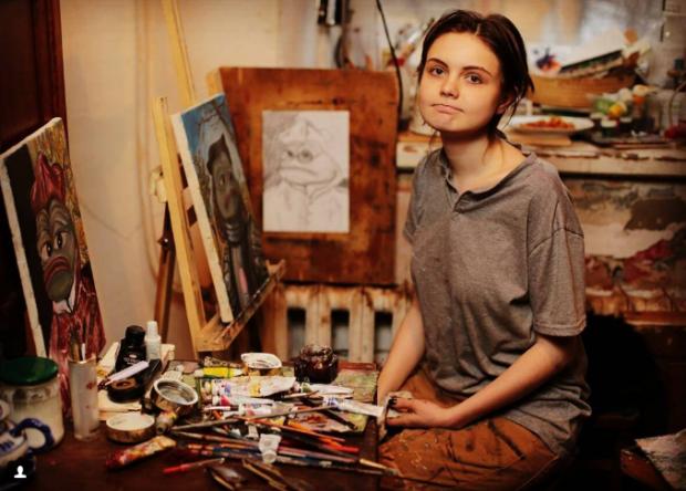 Россиянка соединила популярный мем с произведениями искусства и стала всемирно известной