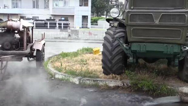 прорыв трубы, скриншот из видео