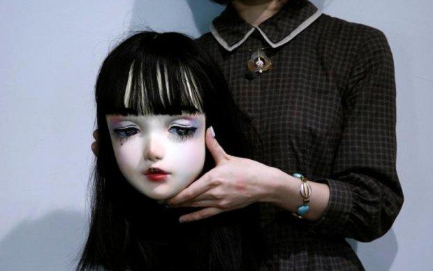 """Найстрашніша """"жива лялька"""", в її існування важко повірити"""