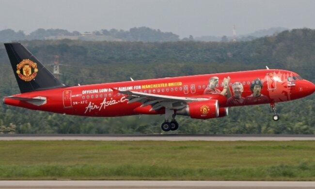 """Самолет """"Манчестер Юнайтед"""" потерялся в Китае"""