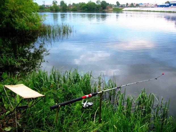 В Україні заборонять риболовлю: названо дату