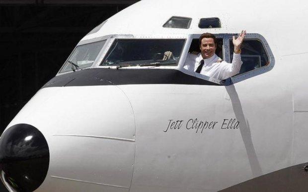 Культовий голлівудський актор подарував улюблений літак