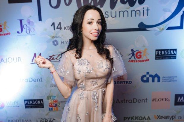 """Катерина Кухар заінтригувала мережа роллю в українському серіалі: """"Зовсім скоро ви побачите мене"""""""