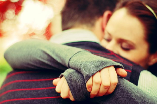 Жінка заробляє 80 доларів на годину, обіймаючись з незнайомцями у ліжку: в мене і у клієнта відбувається викид окситоцину