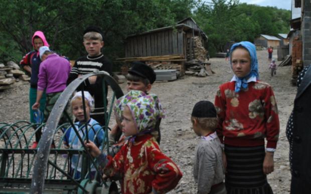 Тернополяни сховалися від держави і цивілізації: відео