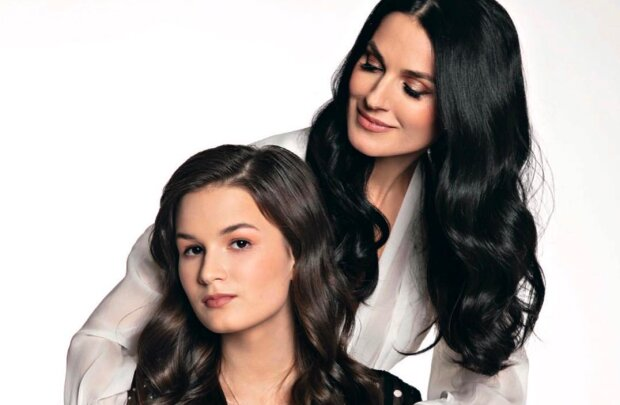 """Маша Єфросиніна показала неймовірну схожість з донькою Наною: """"Як дві краплі, які красуні!"""""""