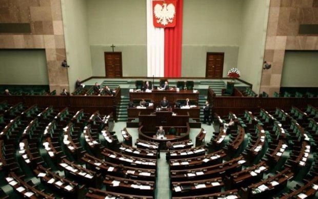 Польща змінила закон, що стосується українців