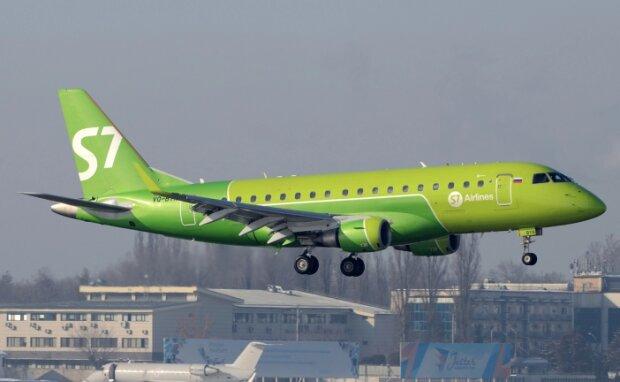 Літак E170SU, фото: jetphotos.com