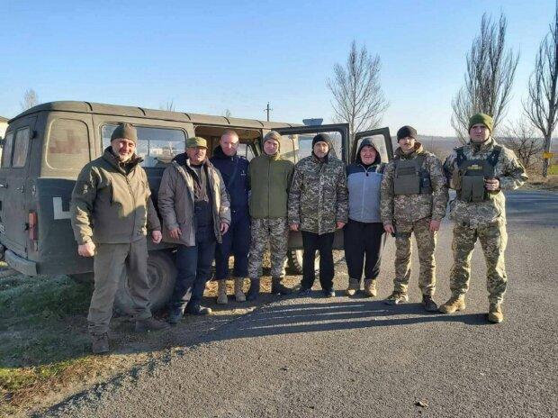 Волонтерка з Прикарпаття допомагає військовим, фото: Репортер
