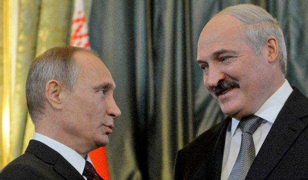 Лукашенко хоче потіснити Україну в транзиті російського газу