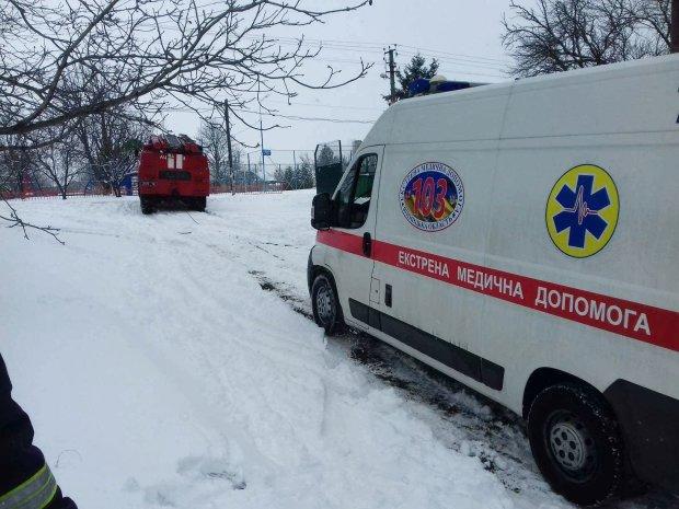В Харькове фанату фейерверков оторвало пальцы и разворотило лицо: врачи пытаются спасти