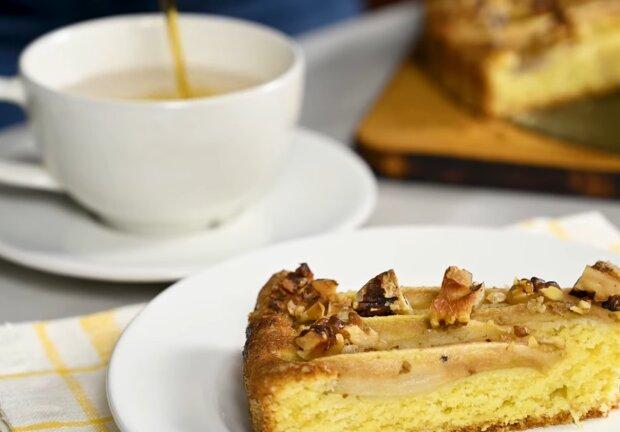 Сырный кекс с грушами, фото: кадр из видео