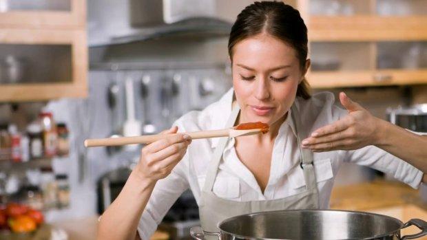 Вкусно и не навредит: эти продукты можно есть по истечению срока годности