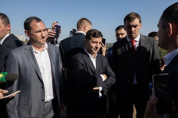 Головне за ніч: нокаут Порошенку від Зеленського, мінування ЦВК, розкрадання у Міноборони та посилення кордонів України