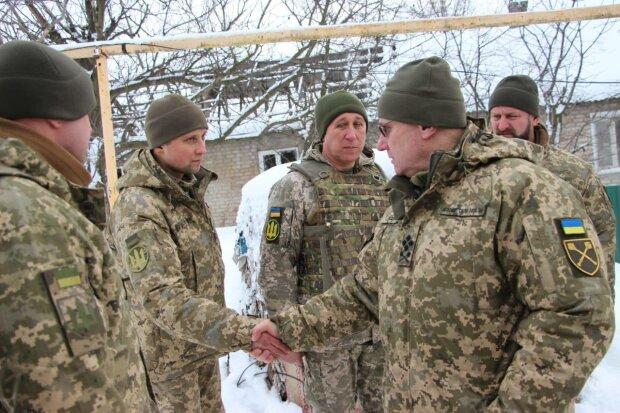 """Головнокомандувач ЗСУ звернувся до кожного захисника на Донбасі: """"За любов до України"""""""