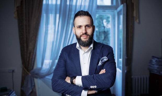 """Журналіст показав, як за спиною Нефьодова створюється """"Офіс контрабанди"""": відео"""
