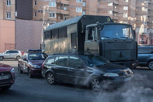 Банкова залишилася без охорони через ДТП в центрі Києва: фото та відео