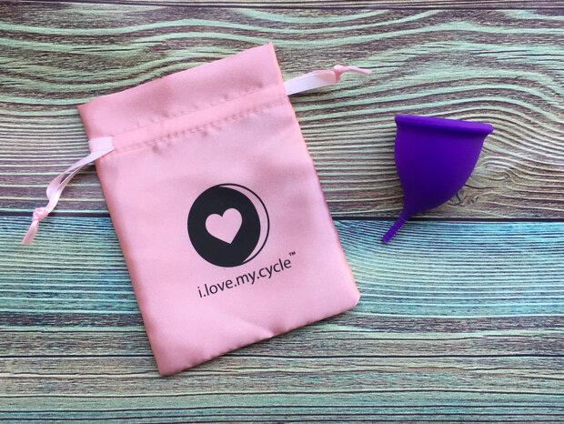 Менструальна чаша: плюси і мінуси користування