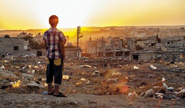 Как сирийцы пытаются выжить в разрушенном городе (фото)