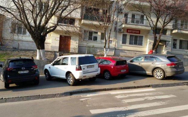 Більше не буде перешкод: нардепи прийняли революційні зміни до правил парковки