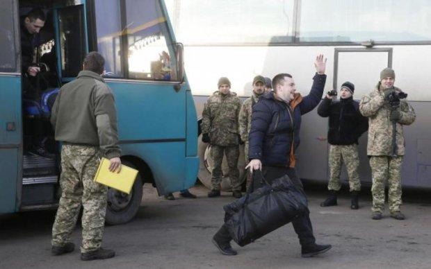 Світові ЗМІ здивовані підтасуваннями українських медіа, що замовчують роль Медведчука в обміні