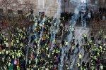 Багатотисячний натовп повстав проти президента, столицю скували масові заворушення: втомилися чекати