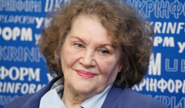 Лина Костенко дописывает роман о деградации Российской империи