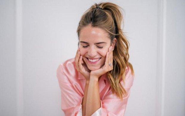 Вчені назвали напій, який робить жінок щасливішими