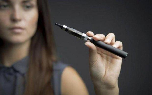 Вчених вразив вплив електронних сигарет на підлітків