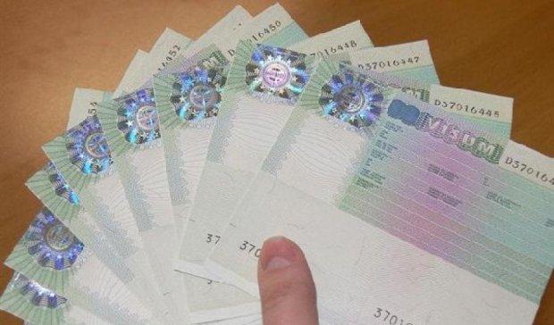 Київ передав Єврокомісії звіт щодо безвізового режиму - Порошенко