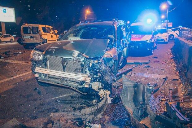 Серьезное ДТП парализовало Киев: куда лучше не соваться водителю