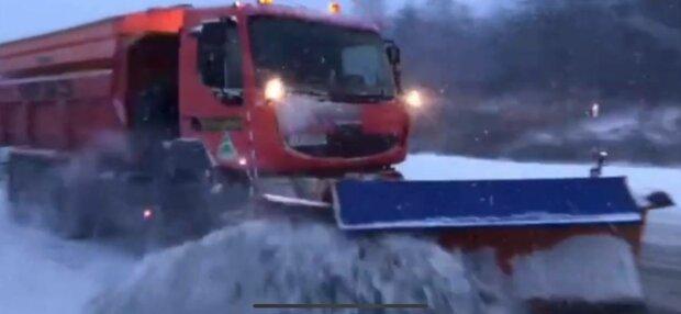 Сніг у Харкові, фото: скріншот з відео