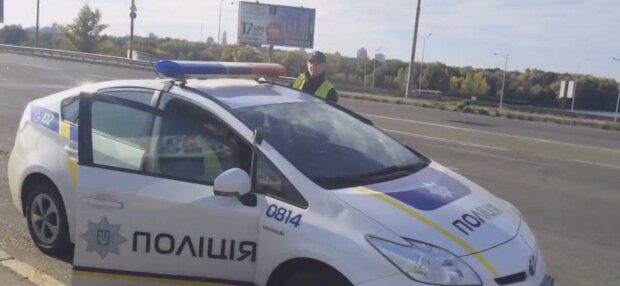 """Под Днепром 7-летний малыш сбежал с карантина у бабушки и пешком отправился домой, - """"брел по трассе"""""""
