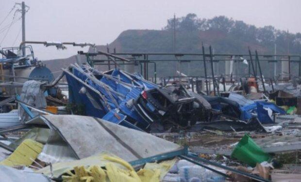 Ухань після торнадо, скріншот: YouTube