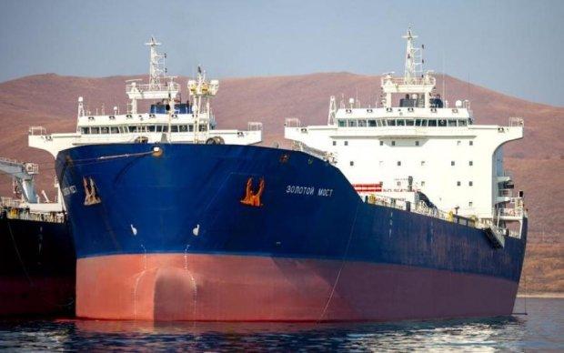 Контрабандный танкер Путина расстреляли
