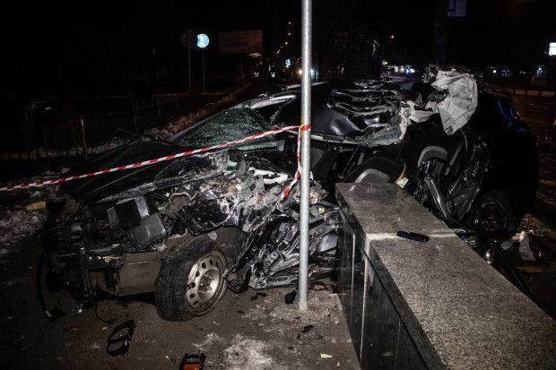 Божевільна швидкість, а за мить - кривава каша: моторошна ДТП переполошила весь Київ