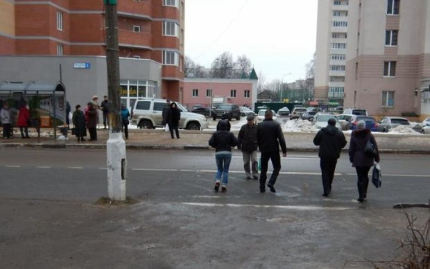 Куди там євробляхам: українськими дорогами роз'їжджає семиметрова химера