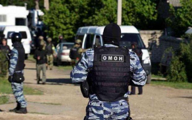 """Путінські окупанти влаштували кримським татарам """"чорний четвер"""""""