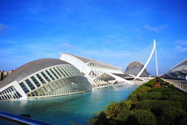 Суміш Мадрида і Барселони: чого чекати від Валенсії?