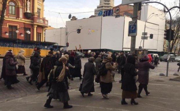 Киевлян возмутил крестный ход УПЦ МП