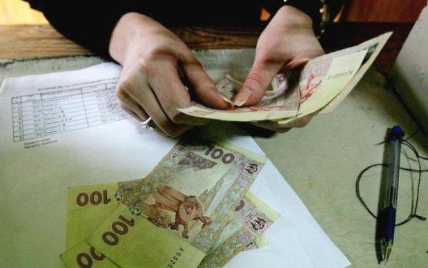 Чергова подачка українцям: Кабмін надумав підвищити мінімалку
