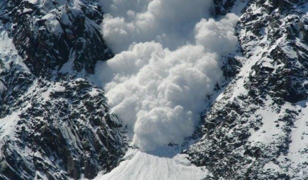 Лавина вбила чотирьох лижників у Альпах