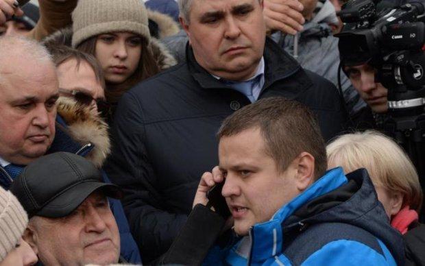 Погрози, гроші чи гіпноз: росіянин, який втратив всю сім'ю в Кемерово, заспівав оди Путіну